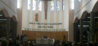 Bendición de velas y gargantas en Catedral