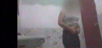 Mozo se escondía en el baño y filmaba a las mujeres