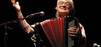 El extraordinario acordeonista Raúl Barboza se presenta en la ciudad
