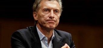 Macri firmó el decreto que establece un bono compensatorio
