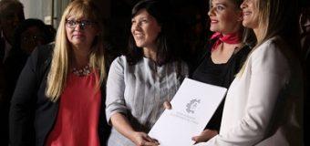 Cuesta presente en la inauguración del Primer Banco de Pelucas Oncológicas de la Fundación Brilla Mujer