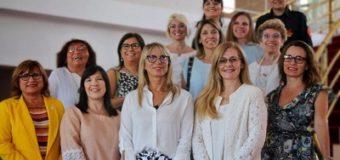 Viviana Glibota, junto a Cuesta y Chomiak, participan de un espacio de mujeres solidarias