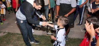 Bruno Cipolini premió a los ganadores del  Torneo de Fútbol Infantil  107° Aniversario