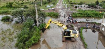 Mesón de Fierro sufre el aluvión de agua que cruza el canal de Pampa del Cielo