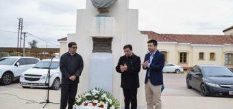 Egea y Bruno Cipolini encabezaron homenaje a maestros