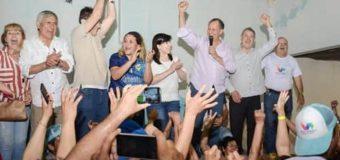 Eli Cuesta consiguió su reelección y fue a celebrar con Papp