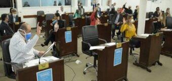 Diputados oficialistas, convalidados por Sager, le dan la espalda a docentes y personal de salud