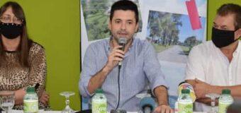 Bruno Cipolini, junto a Dudik y su equipo, presentó la oferta turística para las vacaciones