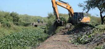APA y Vialidad continúan con los trabajos en el canal Bajo Hondo II
